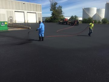 Tips for Hiring an Asphalt Sealcoating Contractor