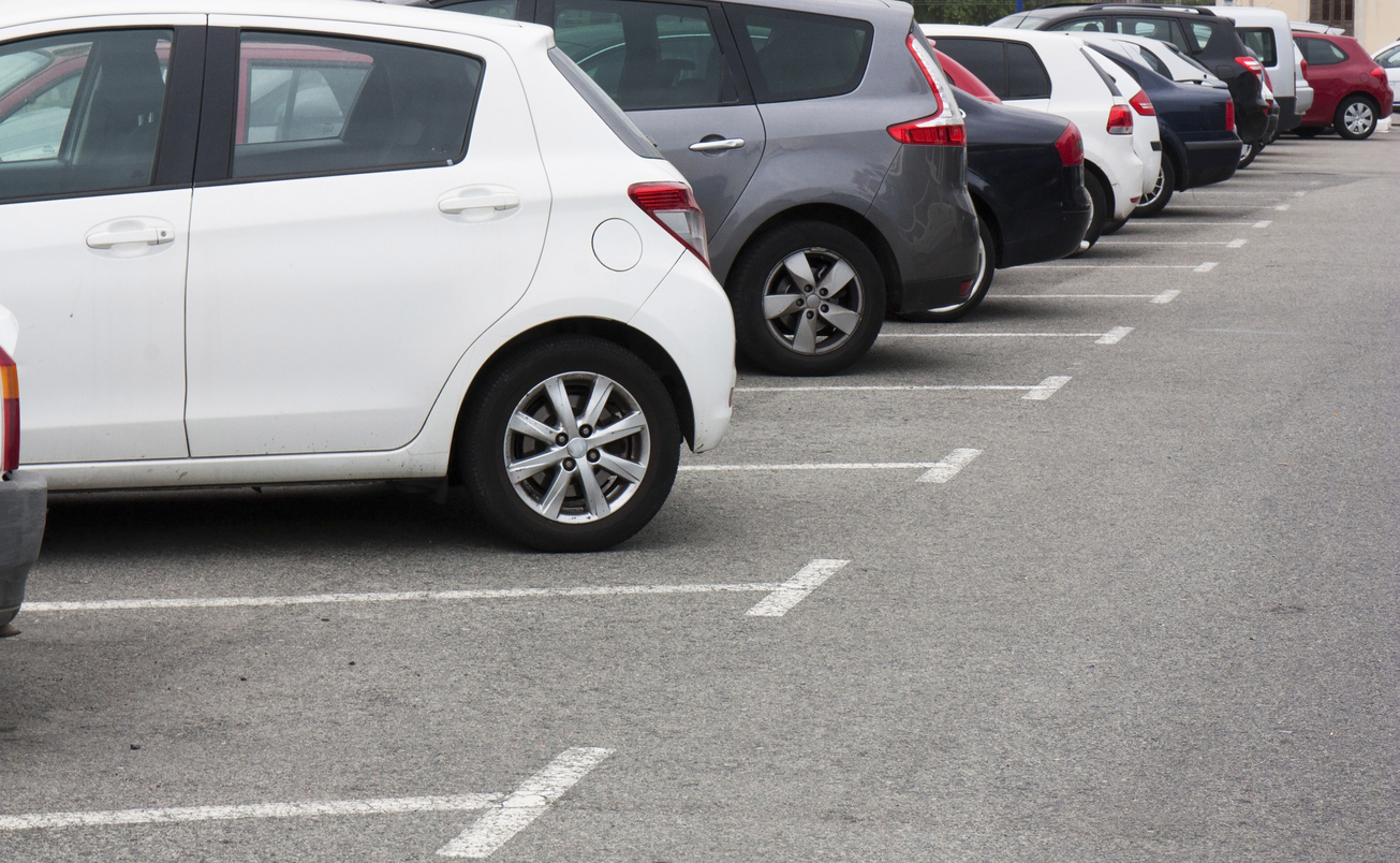 How to Prepare Your Parking Lot for Line Striping